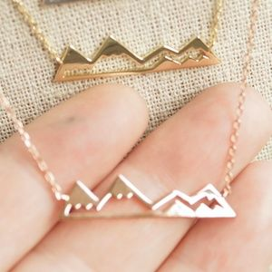 Jewelry - Sterling silver mountain range necklace.